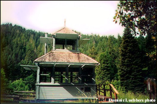 Cupola cabin after it was moved to Tiller Ranger Station