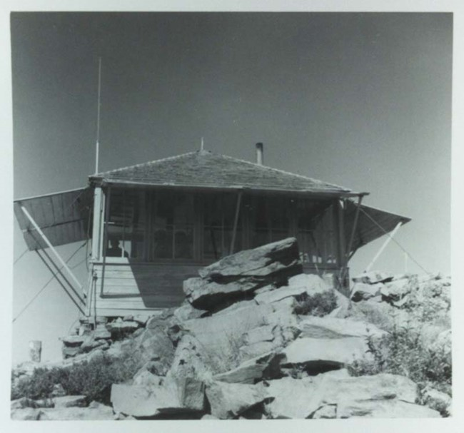 West Zigzag Lookout circa 1957 (Pat Lynch photo, courtesy of Dennis Lynch)
